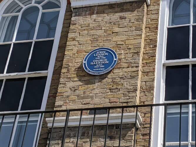 ビートルズのブティックショップ 94 Baker Street:plain
