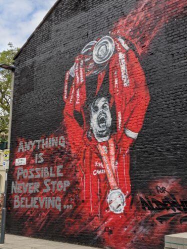 リバプールFCストリートアートめぐりヘンダーソン:plain