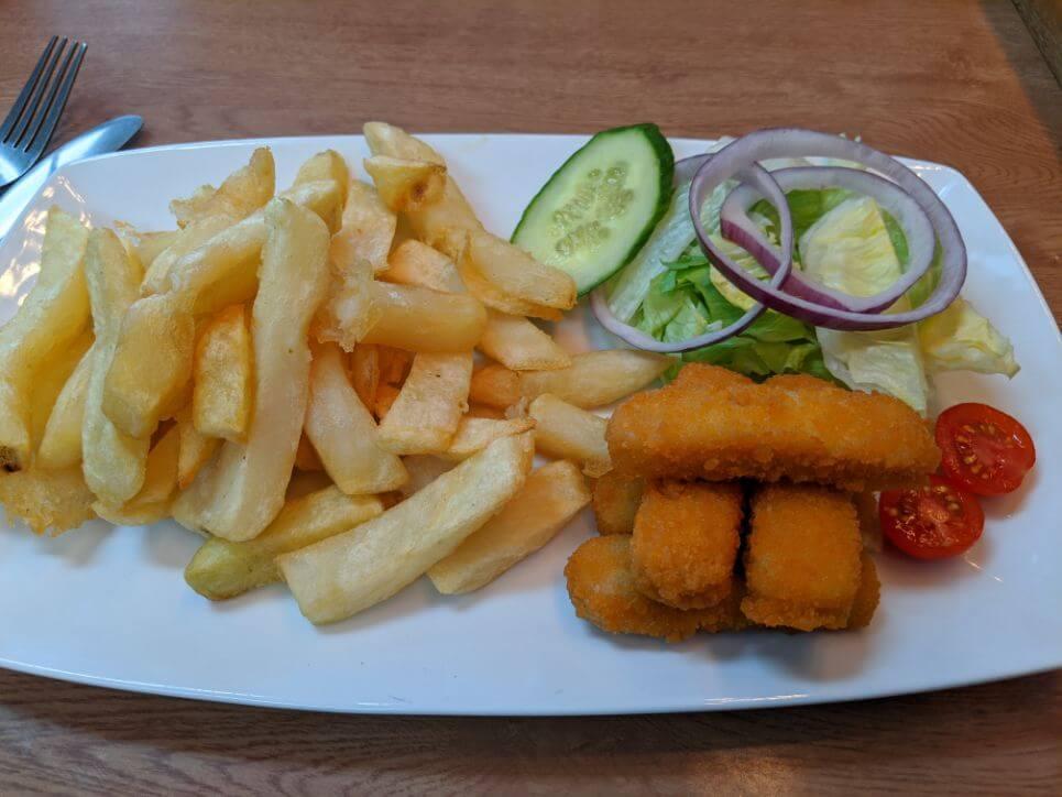 スランディッドノで名物フィッシュ&チップスを食べるヴィーガンフィッシュフィンガー:plain
