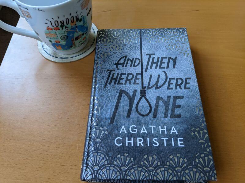 アガサ・クリスティの名作『And Then There Were None』を読んでみた【洋書レビュー・英語多読】:plain