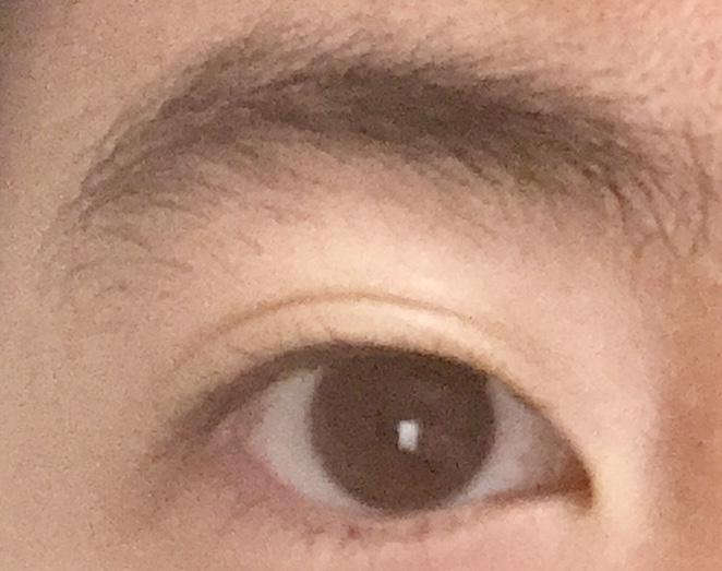 眉サロンに行く前の眉