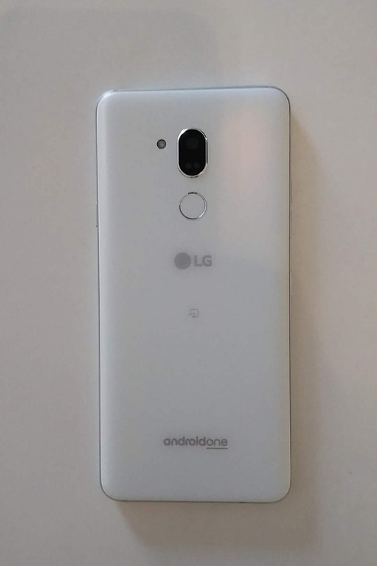 Android One X5背面