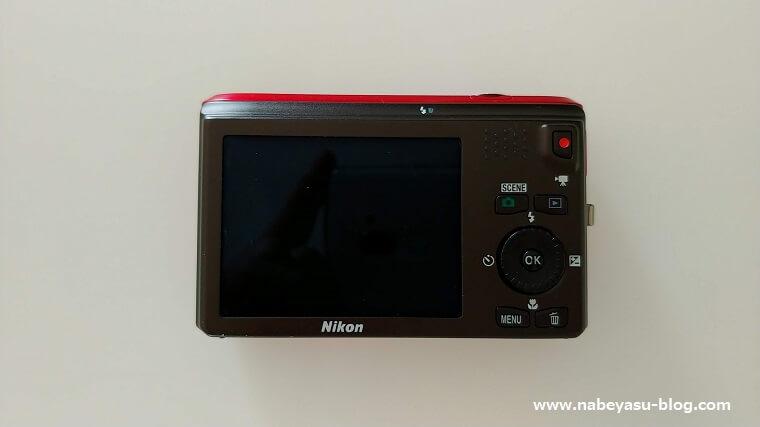 ニコンCOOLPIX S6300液晶モニター側