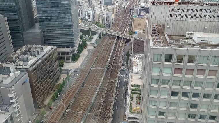 ホテルメトロポリタン丸の内2841号室から見える線路