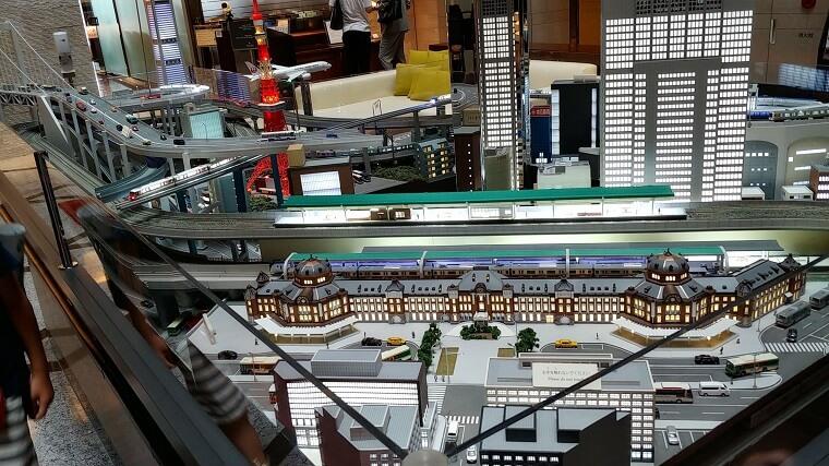 ホテルメトロポリタン丸の内ロビー階の鉄道ジオラマ