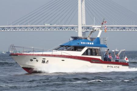 警備艇「神4 ゆり」