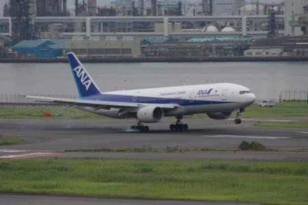 B777-200(JA702A)