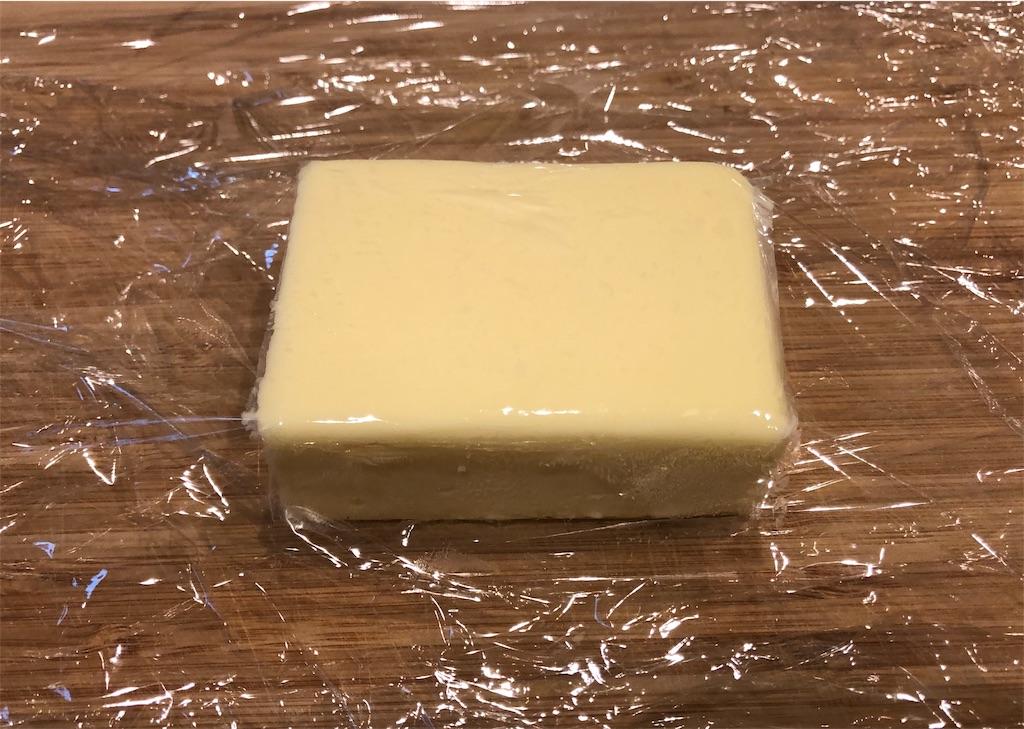 クロワッサン 折り込みバター