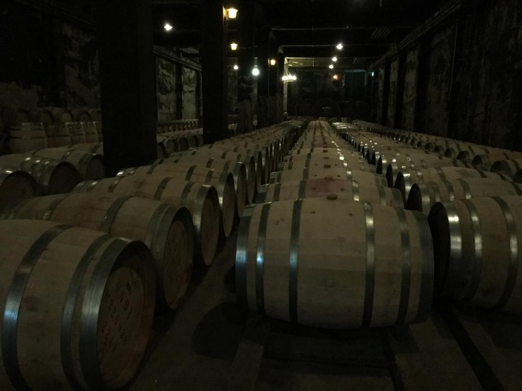 サントリー登美の丘ワイナリー工場見学樽ワイン