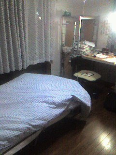 主)ベッド  一部)デスク