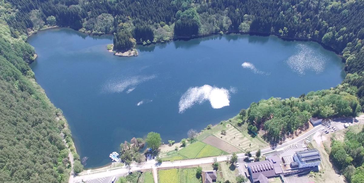 ハート型の湖 北竜湖