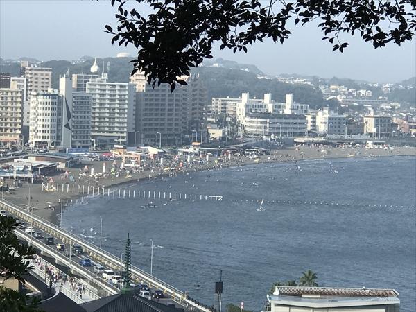 社務所から見る片瀬東浜海水浴場