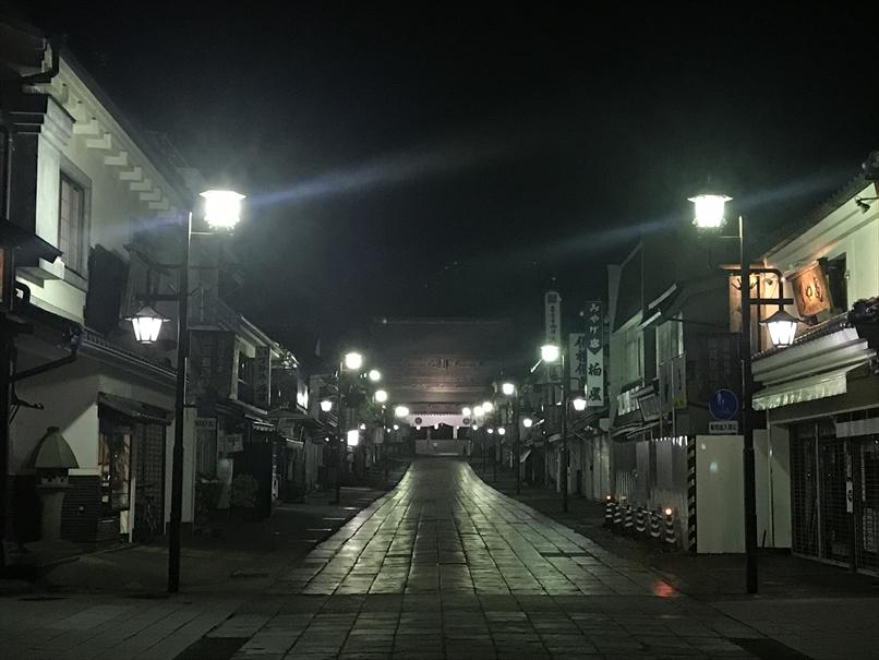 夜の善光寺参道