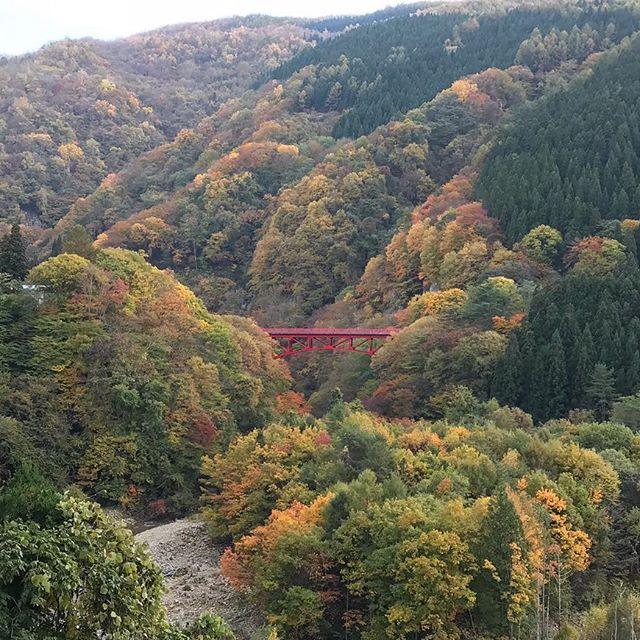 松川渓谷の高井橋