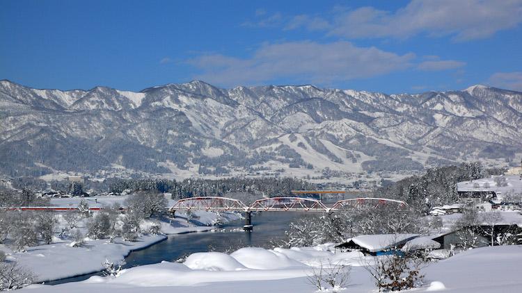 冬の飯山市の風景