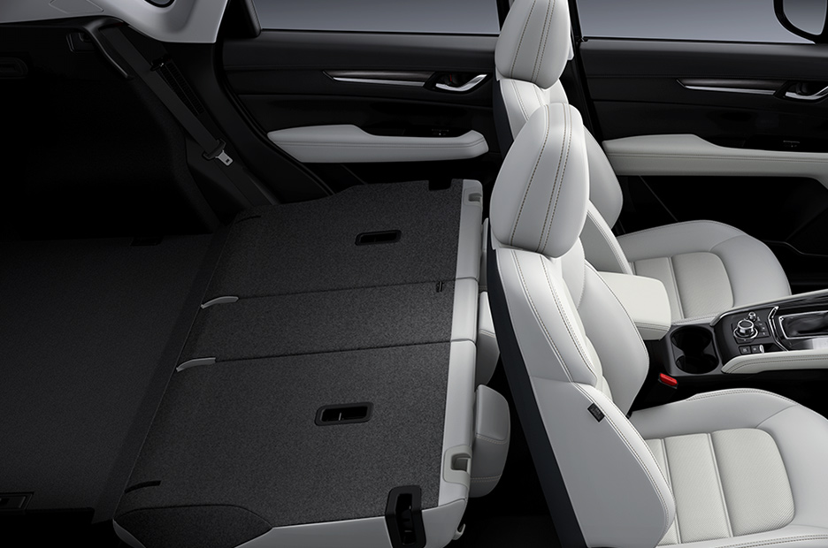 CX-5の後部座席(出典:マツダ オフィシャルウェブサイト)