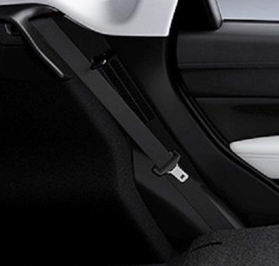CX-5の後部座席シートベルト(出典:マツダ オフィシャルウェブサイト)