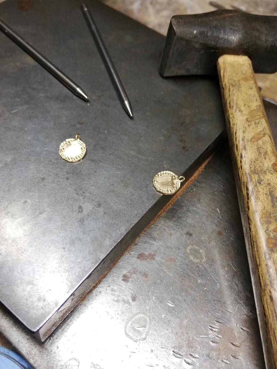 K18金ゴールドネックレス
