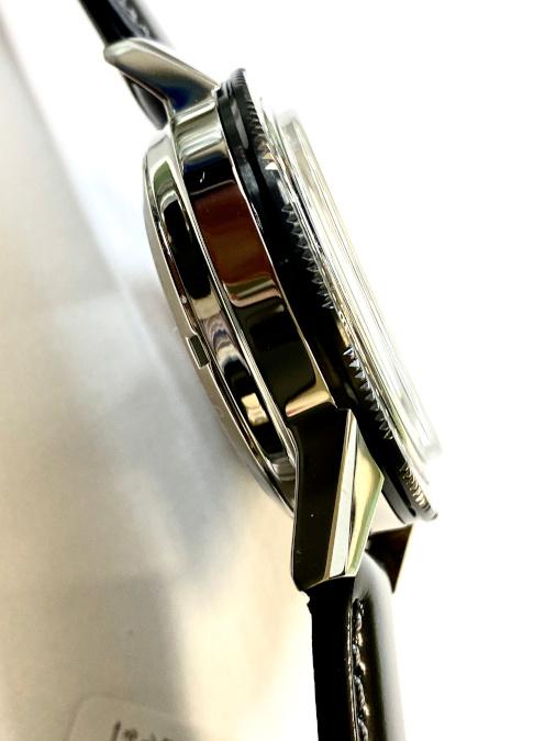 SARK015の側面