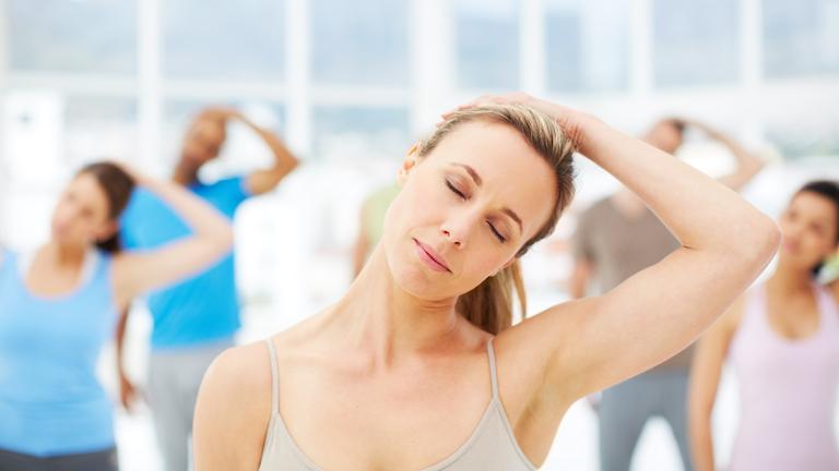 頸部の可動性(オーバーユース障害のあるクライアントでは、頸部前傾姿勢(FHP:forward head posture)が健康なコントロール群に比べ有意に多くみられる)