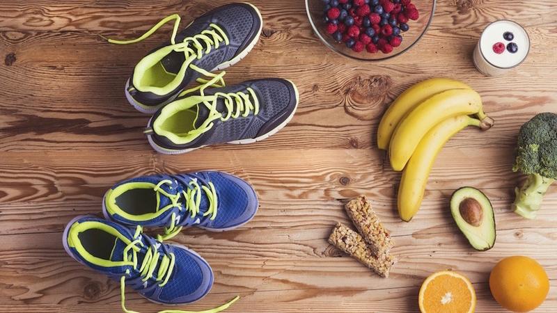 長距離選手とタンパク質(1時間を超えるような運動を行う場合、エネルギー源として糖質、脂質のほかにタンパク質も利用される)