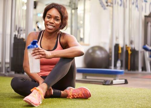 運動パフォーマンスを高める「運動に必要なエネルギーを補給する」と「水分補給」