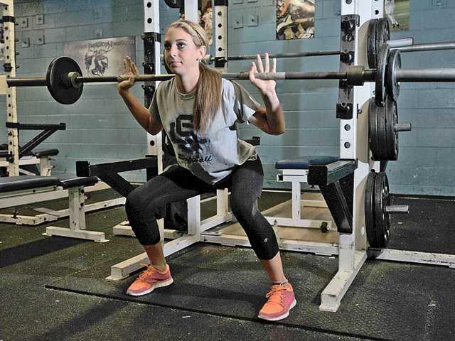 筋力トレーニングは何歳から始めるべきか?(男性ホルモン分泌が盛んになる年代が適切)