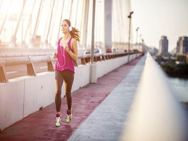 運動時の免疫系の変化(オーバートレーニング時には一過性の免疫応答の抑制状態が続く)