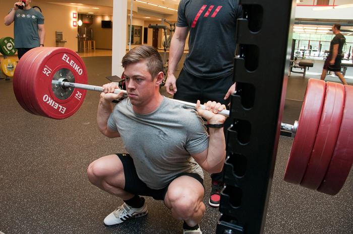 高強度トレーニングと股関節
