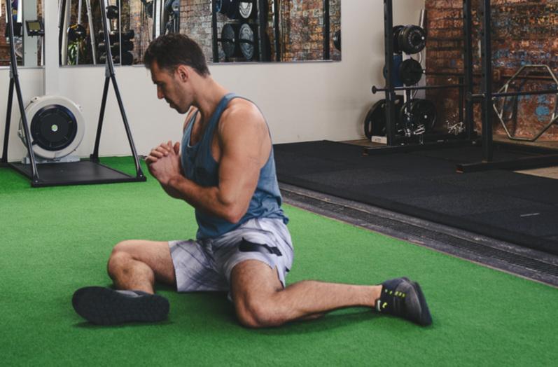 骨盤の不安定性やそれに伴う筋のアンバランスに関連付けられる股関節の障害とは