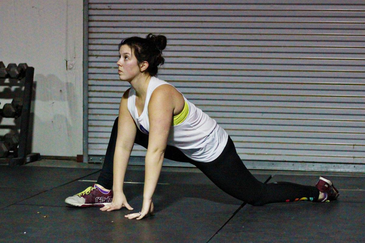 可動性ドリルを取り入れることにより、アスリートは、より高強度の運動における新しい運動方策を素早く応用し獲得することが容易になる