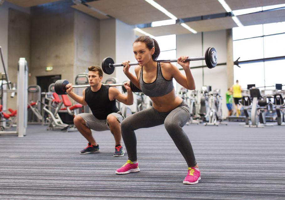初級者のトレーニング強度を考える(大多数の研究は、初級者が筋力を獲得するには、1RMの50~60%の負荷でトレーニングすれば十分であることを示している)