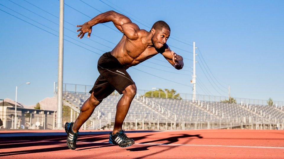 スプリントの筋活動パターン(足関節後面の筋の優位性は支持期前半に伸張性筋活動が行われ、後半では短縮性筋活動が低下するという特徴が見出された)