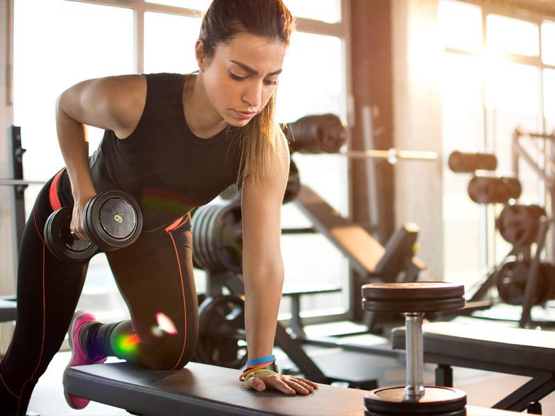 筋の適応の最大化と有酸素性運動(有酸素性代謝は、常にエネルギーの産生に貢献している(30秒間の短いスプリントでは20%))