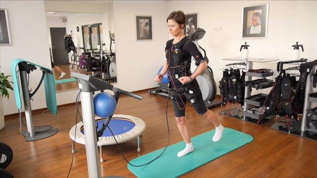 骨格筋低周波電気刺激法:EMSによる運動療法の可能性(電気刺激は低い運動強度で解糖系エネルギー利用の高い速筋線維の動員を可能にし、筋エネルギー消費、グリコーゲン代謝、糖代謝を活性化できる有用な手段である)