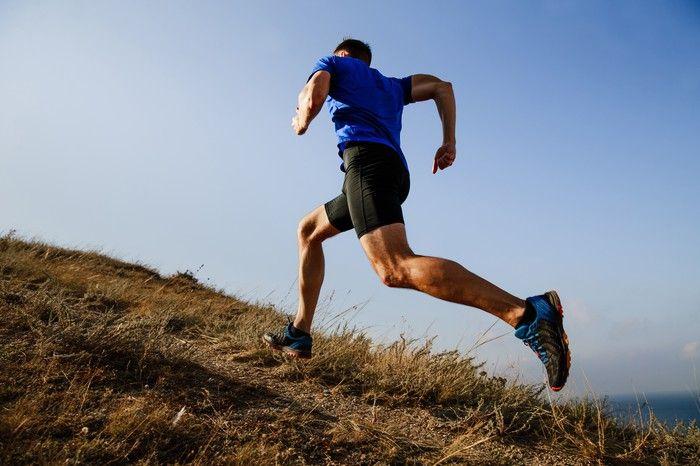 アップヒル&ダウンヒルスプリントトレーニングはランニングパフォーマンスを向上させるか?