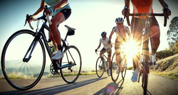 高強度トレーニングと免疫系(糖質には、高強度の持久系エクササイズに応答して起こる免疫細胞とサイトカインの乱れを制御する働きがある)