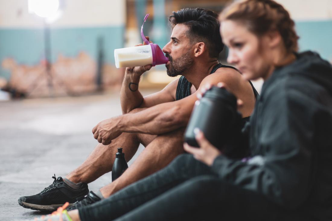 運動後の栄養(糖質-タンパク質)摂取で異化状態から同化状態へ(筋グリコーゲン補充速度、筋タンパク質合成活性化速度を上昇させる)
