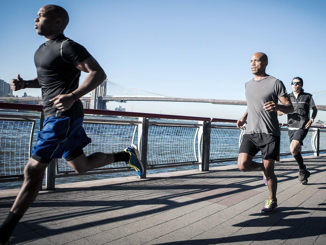 糖と脂肪の特徴から運動時の利用のされ方を考える(運動強度が高いほど糖質の利用が高まる)