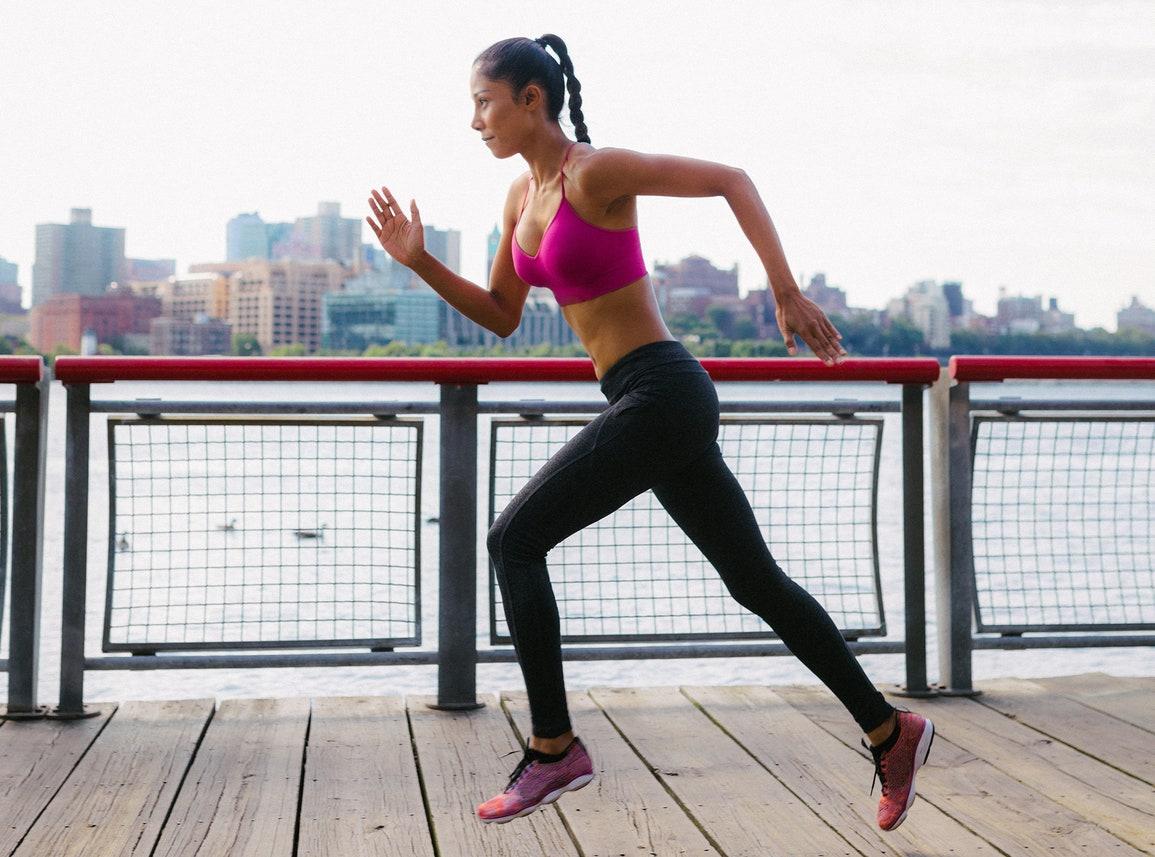 ランナーズ・ハイと乳酸性作業閾値の関係(アドレナリン、カリウム、ストレスタンパク質といったように、体内でいろいろなことがLTより上の強度になると起きる)