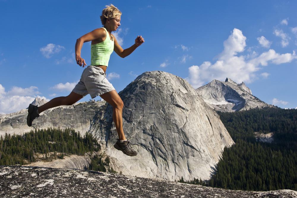 高所トレーニングによるパフォーマンス向上(運動時の組織の低酸素環境と類似している)