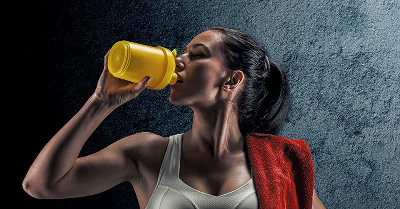 運動後のタンパク質同化としては大豆より牛乳が優れている(筋タンパク合成率は無脂肪乳摂取後のほうが34%も高くなった)