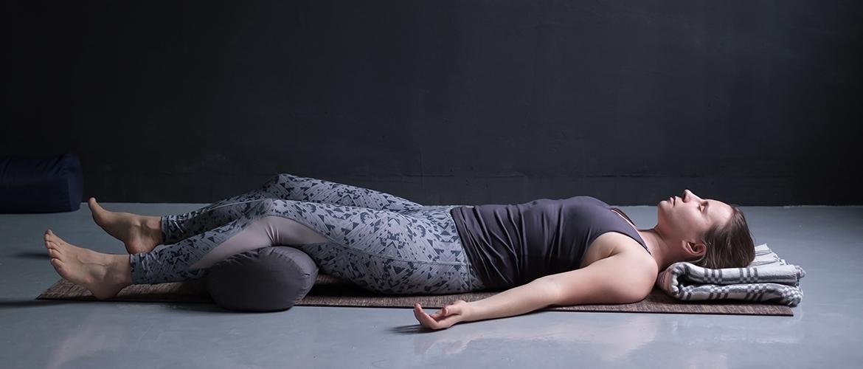 仮眠の生理学的側面(仮眠には「Postlunch dip(昼食後のパフォーマンス低下)」の低下を減らす効果がある)