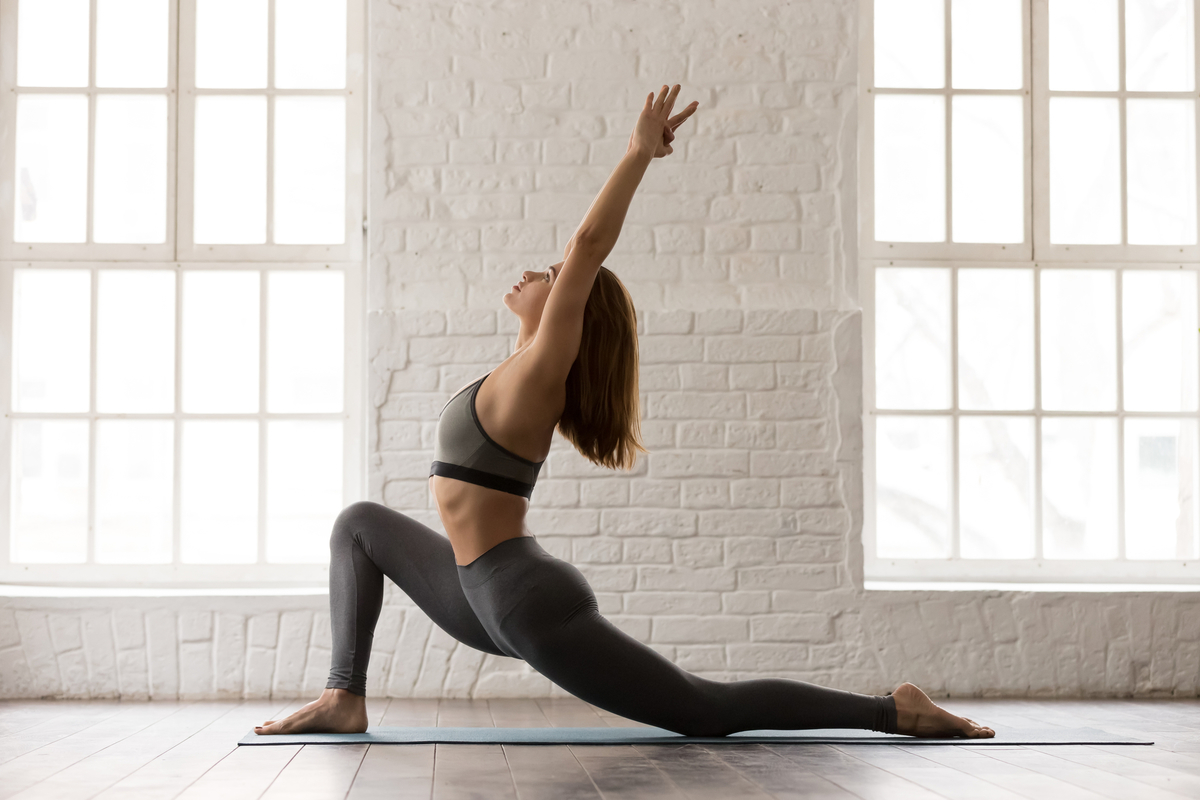 腰部痛が改善する運動方向への運動介入(運動に伴いLBPが増悪し、痛みが脚部への下方へ放散する現象は症状の悪化を意味するため、「末梢化(Peripheralization)」を起こす運動は避ける)