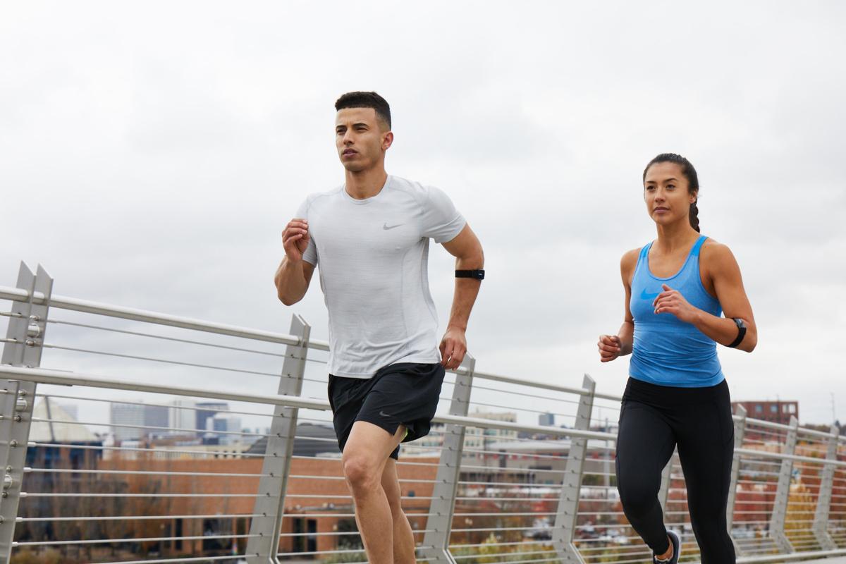 心拍数を用いたトレーニング管理(乳酸値のカーブと心拍数、運動強度は正の相関関係にある)
