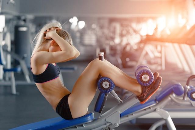 脊椎屈曲エクササイズと柔軟性(脊椎屈曲エクササイズが矢状面での脊椎の可動性を高め、向上した柔軟性は、結合組織の強度の増加、神経筋コーディネーションを改善する)