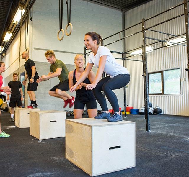 小児期におけるスピードのトレーナビリティ(5~14歳の子供にプライオメトリックトレーニングはジャンプとランニングの数値に多大な影響を及ぼす)