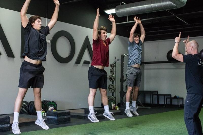 プライオメトリックトレーニングの重要性(ストレッチ・ショートニング・サイクルは神経、筋の機能改善に伴う爆発的パワーの向上により、多くの種目の競技パフォーマンスに影響を与える)