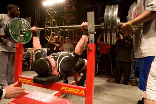 筋が所定の負荷を挙上するために必要な短縮性収縮が発揮できなくなることと筋肥大(運動単位と代謝ストレスの増加を極限まで促す)