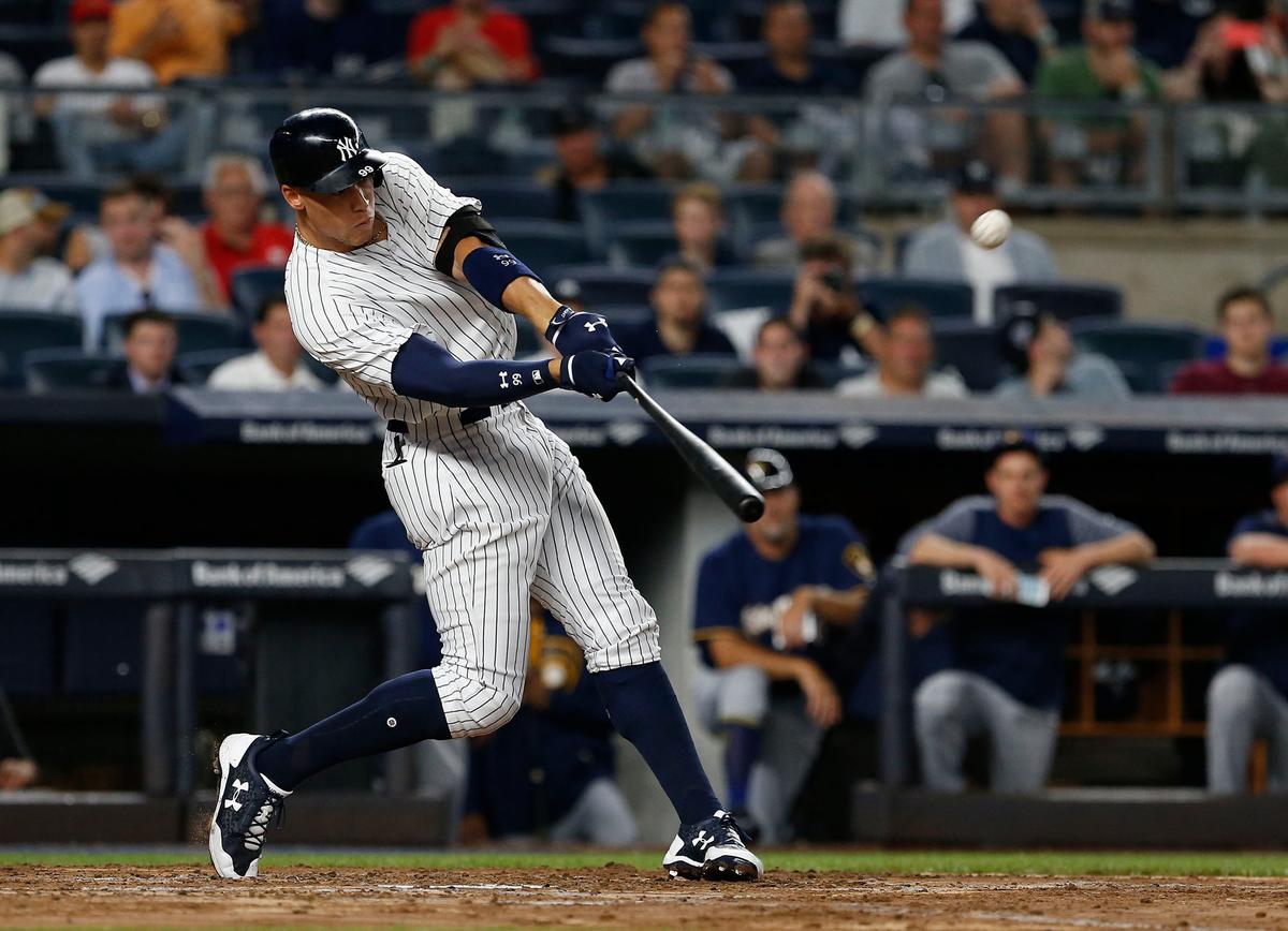 野球のスイング中のパワーは体幹の筋群の大きな筋活動を維持するため、股関節から発揮する下肢のエクササイズを強調させる必要がある